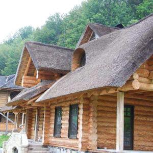Камыш для изготовления крыши