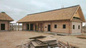 Як виготовити солом'яний дах
